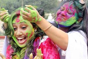 আবিরের রঙে রাঙিয়ে হিন্দু সম্প্রদায়ের দোলা যাত্রা উৎসব অনুষ্ঠিত হয়। ছবিটি ঢাকেশ্বরী মন্দির থেকে তোলা