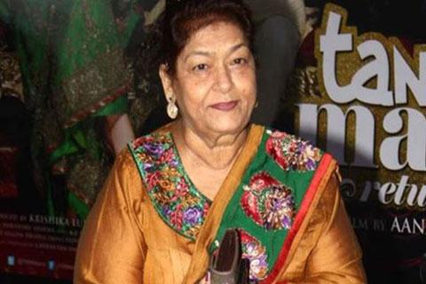 'কাস্টিং কাউচ' কমসে কম খেতে তো দেয়: সরোজ খান