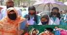 স্কুল-কলেজের বেতন-ফি'র চাপে দিশেহারা অভিভাবকরা